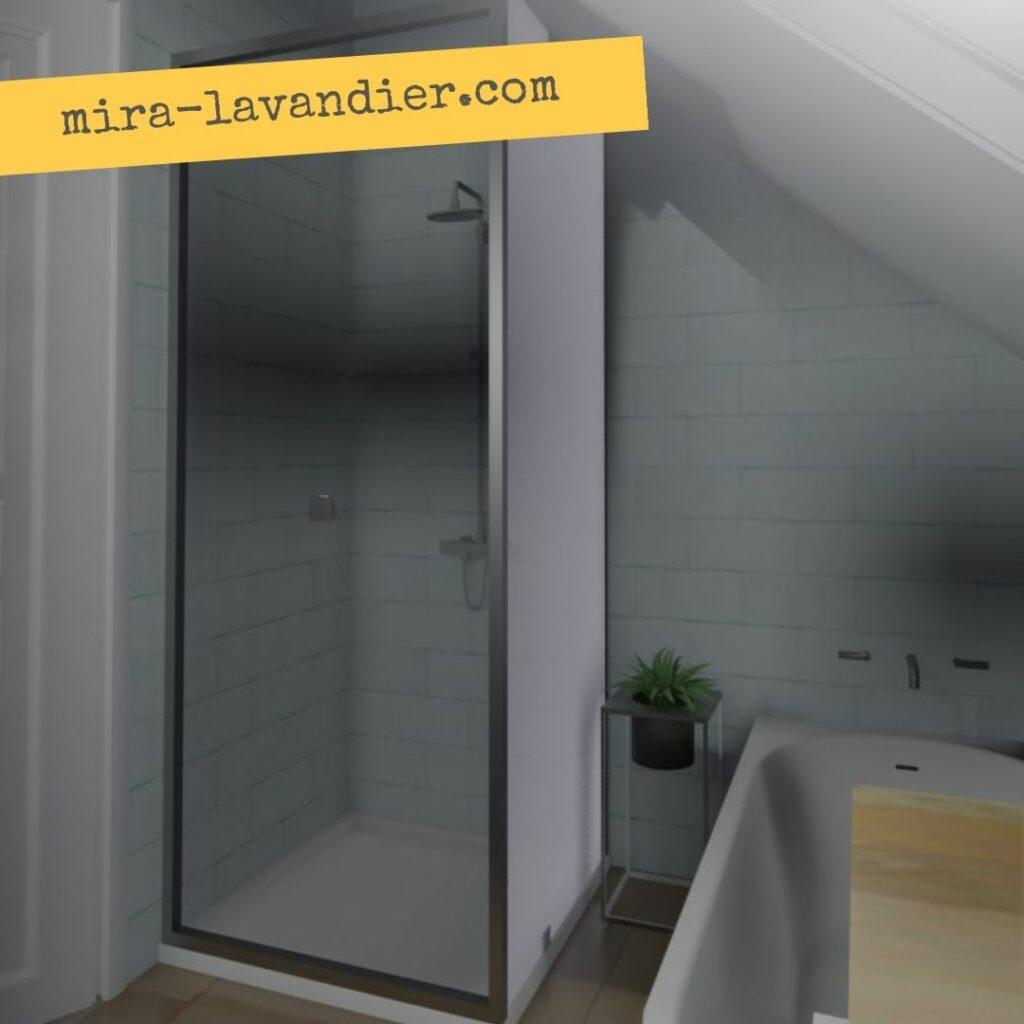 salle de bain mansardée avec baignoire et douche